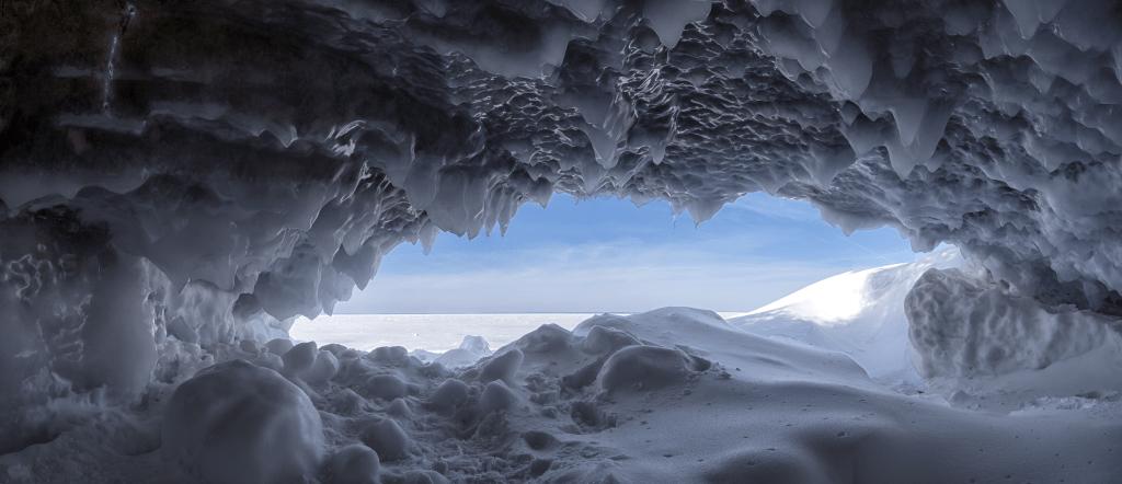 Ice Caves Alone the Lake Superior Shoreline